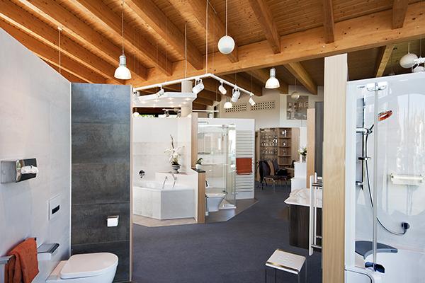 Besichtigen Sie Wohlfühlbäder in der Ausstellung für Badezimmer. Besuchen Sie uns in Grossbeeren (Brandenburg).