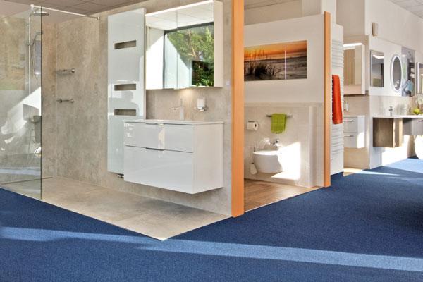 Schöne und hochwertige Bäder zum Wohlfühlen, können Sie in unserer Ausstellung für Badezimmer in Berlin Tegel besichtigen.